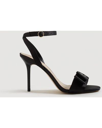 Черные туфли на высоком каблуке Mango