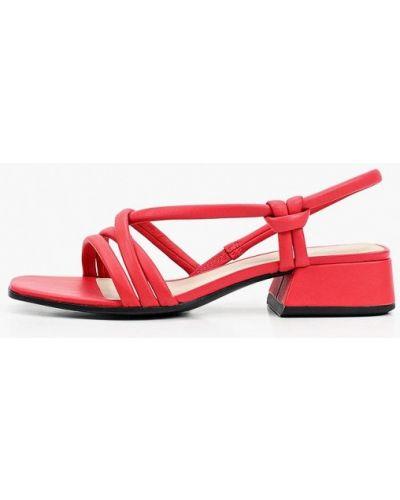 Красные кожаные босоножки Ecco