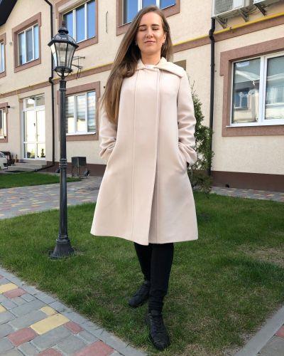Пальто молочное Albanto