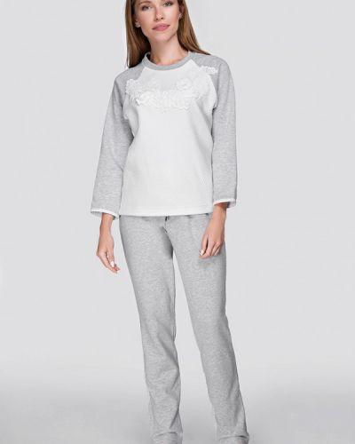 1099eed00a1 Найдено 51 женских домашних костюмов в 3 магазинах. Женщинам · Одежда ·  Костюмы  Домашние. Домашний костюм белый серый German Volf