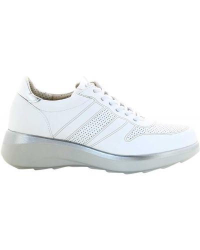 Białe sneakersy Pitillos