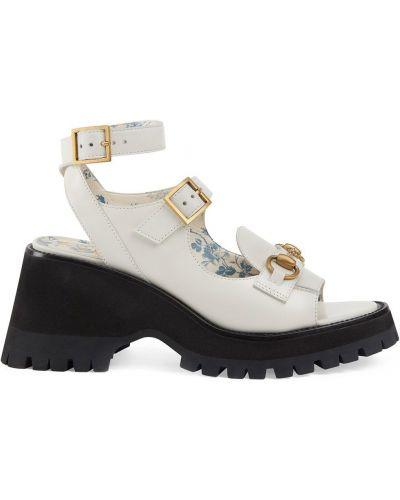Białe sandały na platformie skorzane Gucci