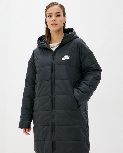 Теплая черная утепленная куртка Nike