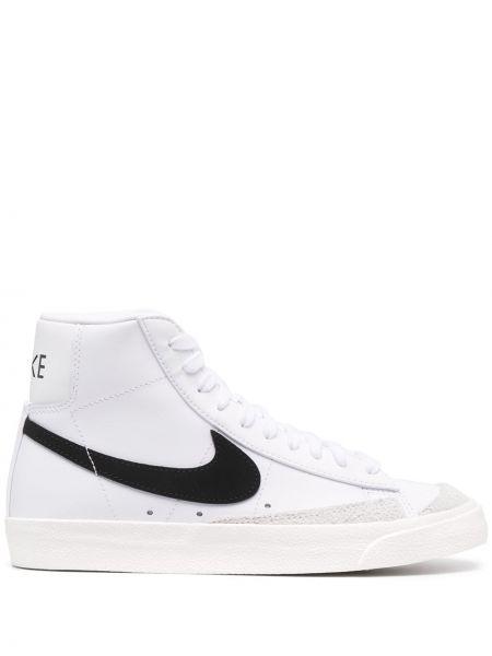 Biały ażurowy top zasznurować z łatami Nike