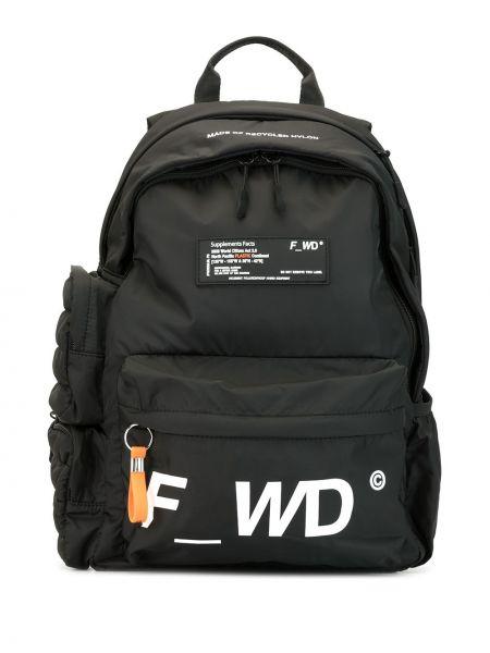 Czarny plecak z nylonu z printem F_wd