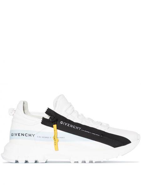 Ażurowy skórzany biały skórzane sneakersy na sznurowadłach Givenchy