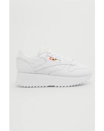 Кроссовки на платформе текстильные белый Reebok Classic