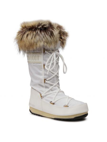 Białe kozaki z futerkiem Moon Boot