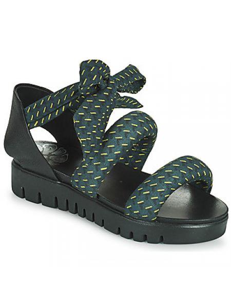 Niebieskie sandały Papucei
