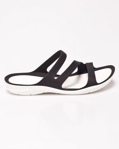 Черные сандалии Crocs