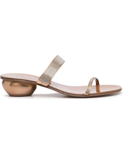 Коричневые сандалии на каблуке Pedro García