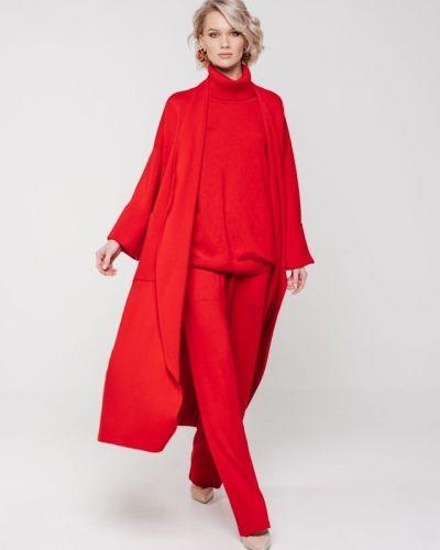 Шерстяное пальто - красное Viamaro