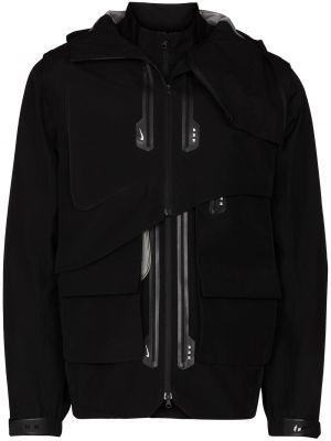 Черная куртка с капюшоном Nike