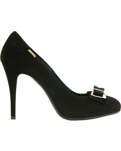 Кожаные туфли на каблуке замшевые Loriblu