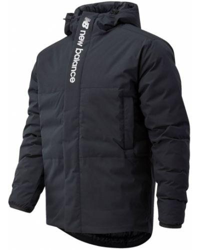 Черная пуховая спортивная куртка с карманами New Balance