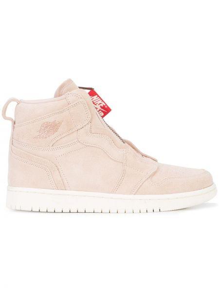 Замшевые коричневые кроссовки с нашивками Jordan