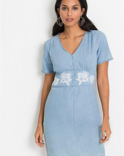 Джинсовое платье с вышивкой Bonprix