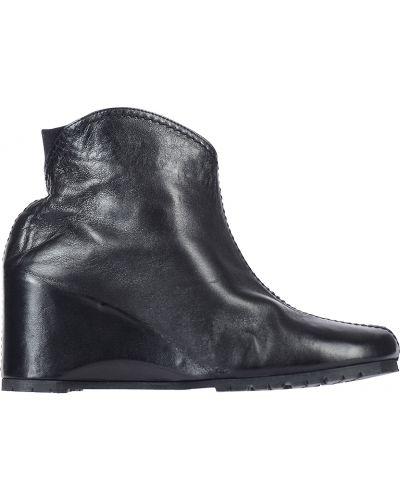 Ботинки на каблуке осенние кожаные Thierry Rabotin