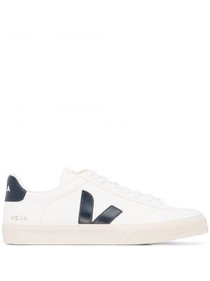 Белые кожаные кеды на шнуровке Veja