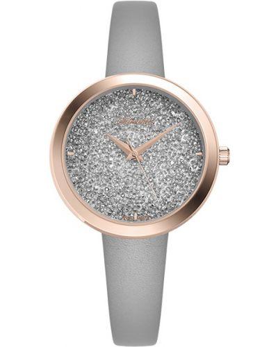 Часы на кожаном ремешке кварцевые водонепроницаемые с камнями Adriatica