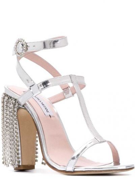 Кожаные серебряные босоножки на каблуке с пряжкой Leandra Medine