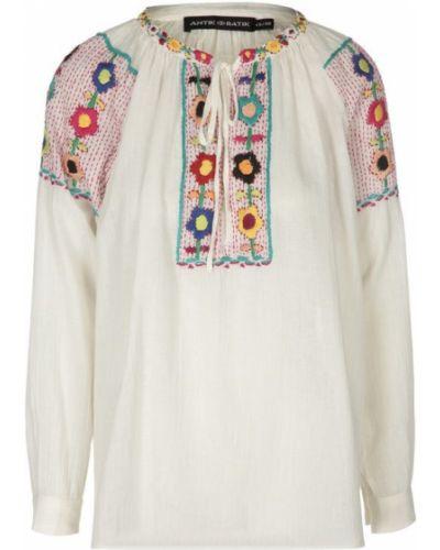 Белая блузка с вышивкой Antik Batik