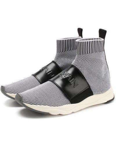 Белые кроссовки текстильные Balmain