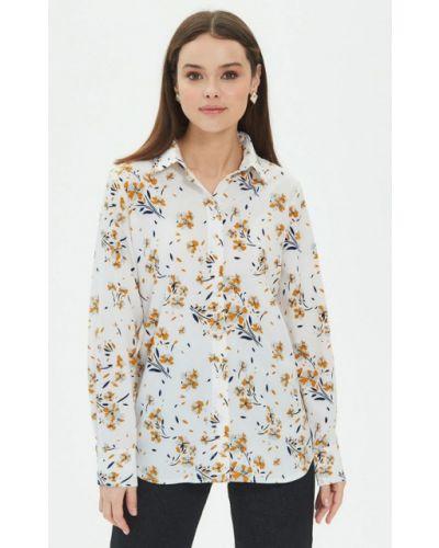 С рукавами белая блузка Moru