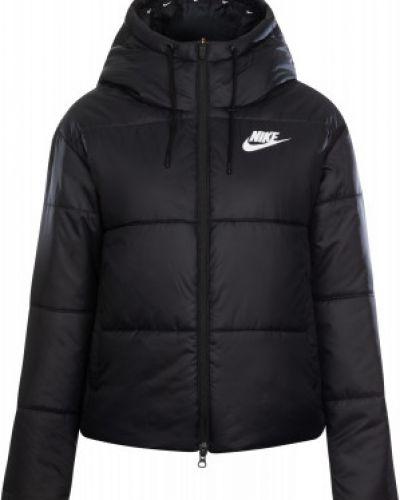 Спортивная теплая черная зимняя куртка Nike