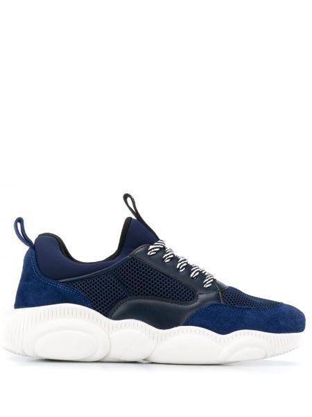 Niebieski ażurowy skórzany sneakersy z siatką Moschino