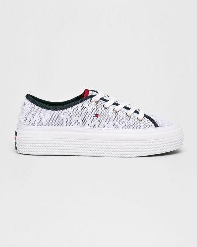 Мягкие теннисные низкие кеды на шнуровке на каблуке Tommy Hilfiger