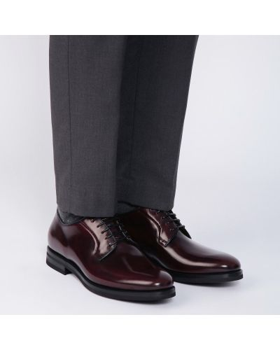 Кожаные красные туфли закрытые Fabi