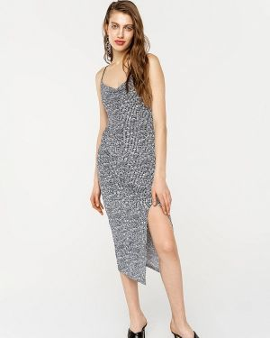 Серое платье Befree