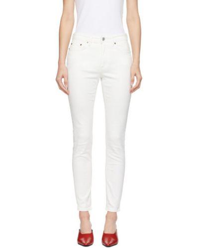 Zawężony niebieski jeansy do kostek z łatami z kieszeniami Acne Studios
