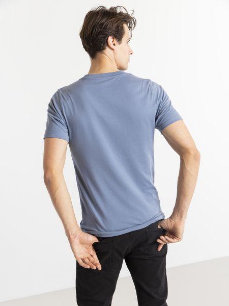 Хлопковая синяя футболка с вырезом New Balance