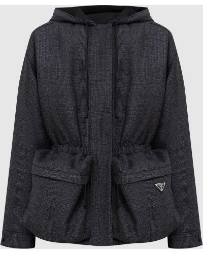 Серая куртка в клетку Prada
