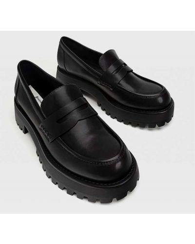 Черные туфли без каблука Stradivarius
