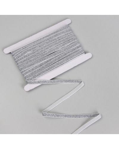 С рукавами белая резинка для волос на резинке арт узор