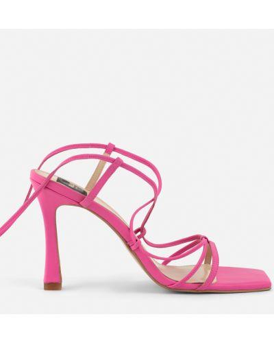 Розовые босоножки на каблуке с завязками Melly