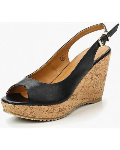 Черные босоножки на каблуке Isteria