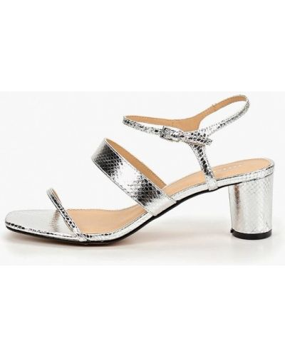 Босоножки на каблуке кожаные серебряный Topshop