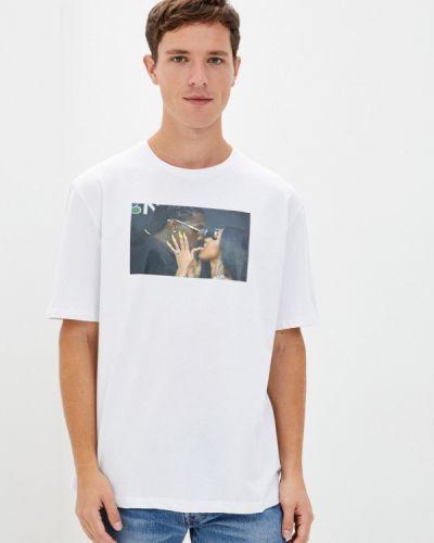 С рукавами белая футболка Aarhon