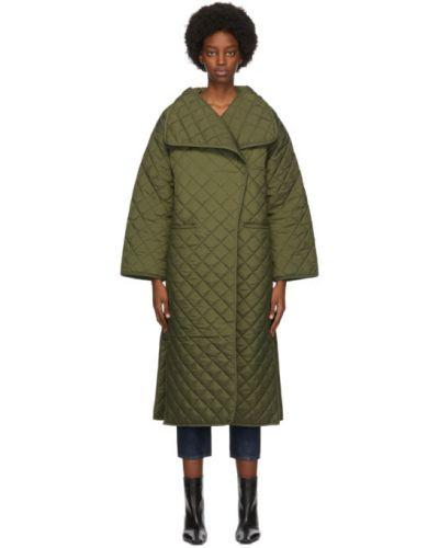 Зеленое стеганое длинное пальто с воротником Toteme