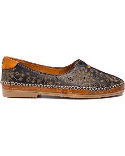 Туфли на каблуке - черные Manitu