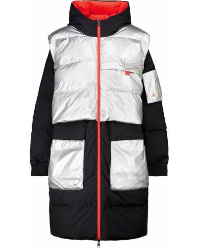 Городское черное пуховое пальто Nike