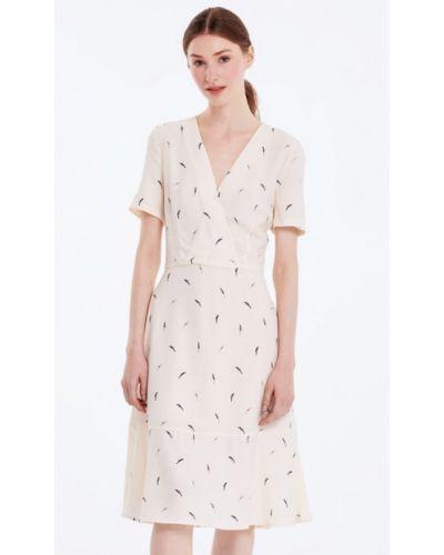 Бежевое платье весеннее Musthave