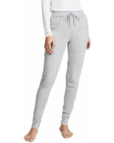 Зауженные трикотажные брюки на резинке Skin