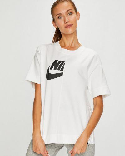 Спортивная футболка белая эластичный Nike Sportswear