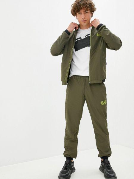 Костюмный зеленый спортивный костюм Ea7
