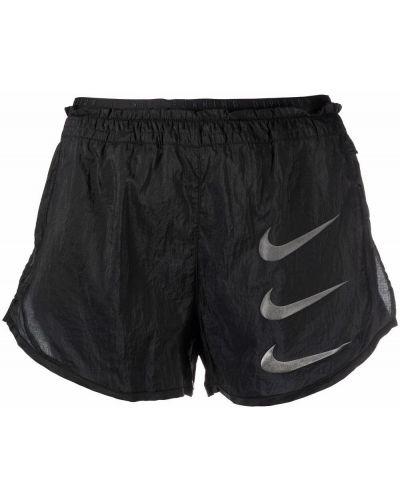 Нейлоновые черные шорты Nike